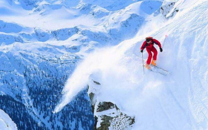 Extreme winter sport - skiing on the mountains