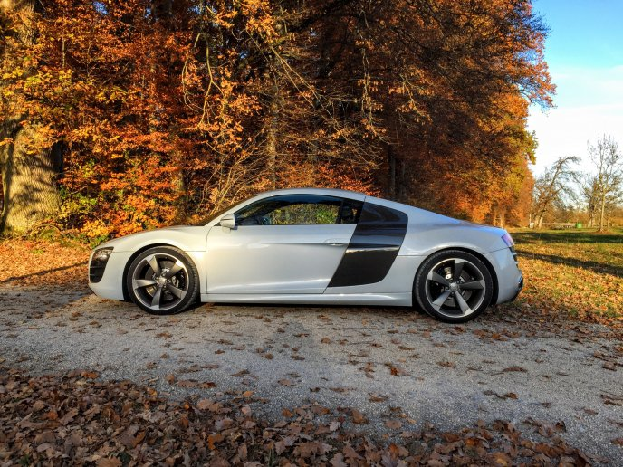 Autumn landscape and sport car in the sun - HD wallpaper