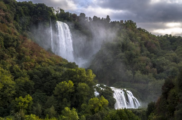 View of Cascata delle Marmore - to the top