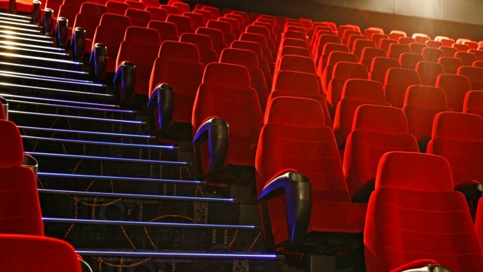 Beautiful red chairs on the cinema - HD wallpaper