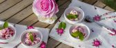 Romantic ice cream desert with pink roses - HD wallpaper